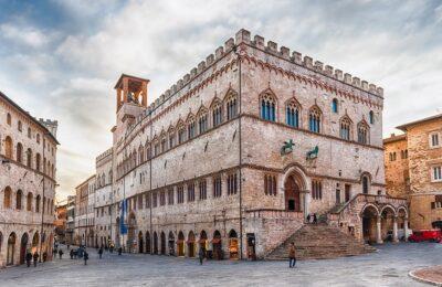 StoriaPerugia-Palazzo dei Priori piccola